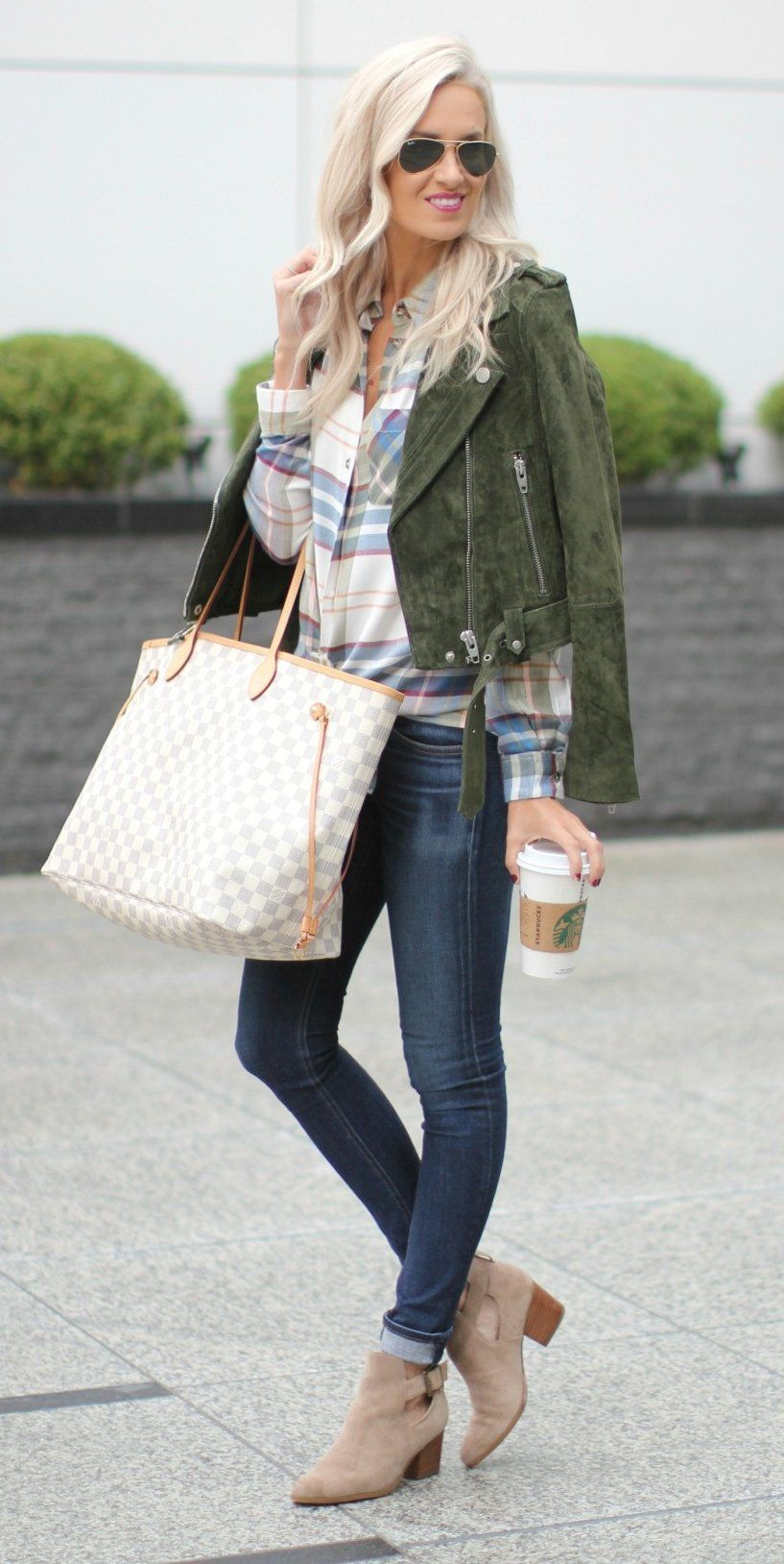 2019 year style- How to camel wear colored jeans