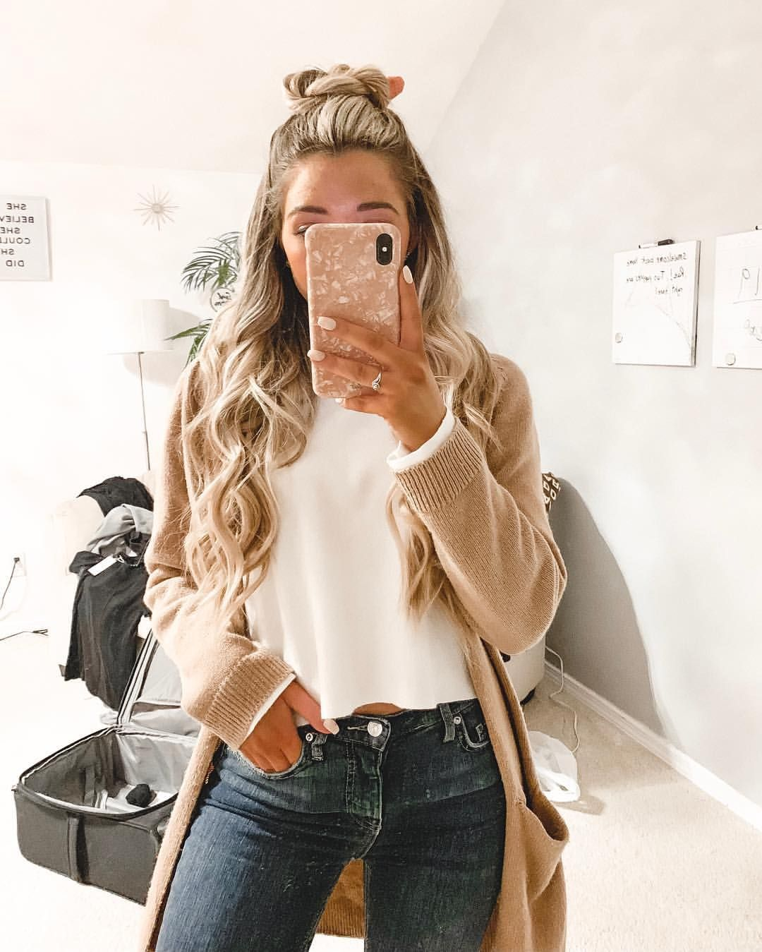 Pin By Alexa Rae On Withalexarae What To Wear Messy Room Love