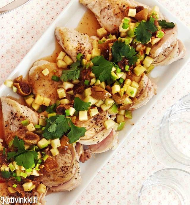 Broilerin rintafileet ja mausteinen omenasalaatti | Kotivinkki