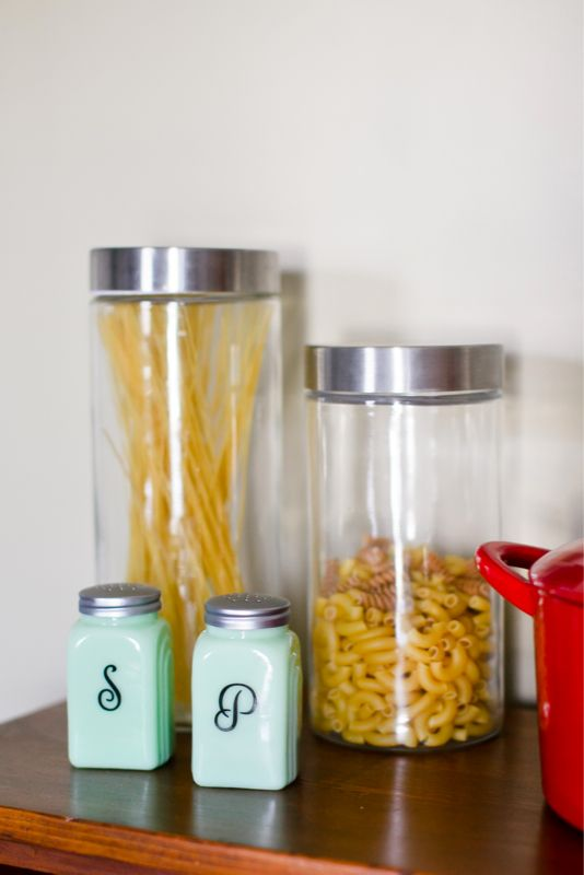 Looking for some quick, easy DIY ideas for your kitchen and/or entryway? Take a peek at our quick solutions.
