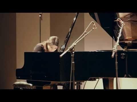 Arnold Schoenberg: Suite für Klavier op.25 (complete) - Kaori Nishii - YouTube