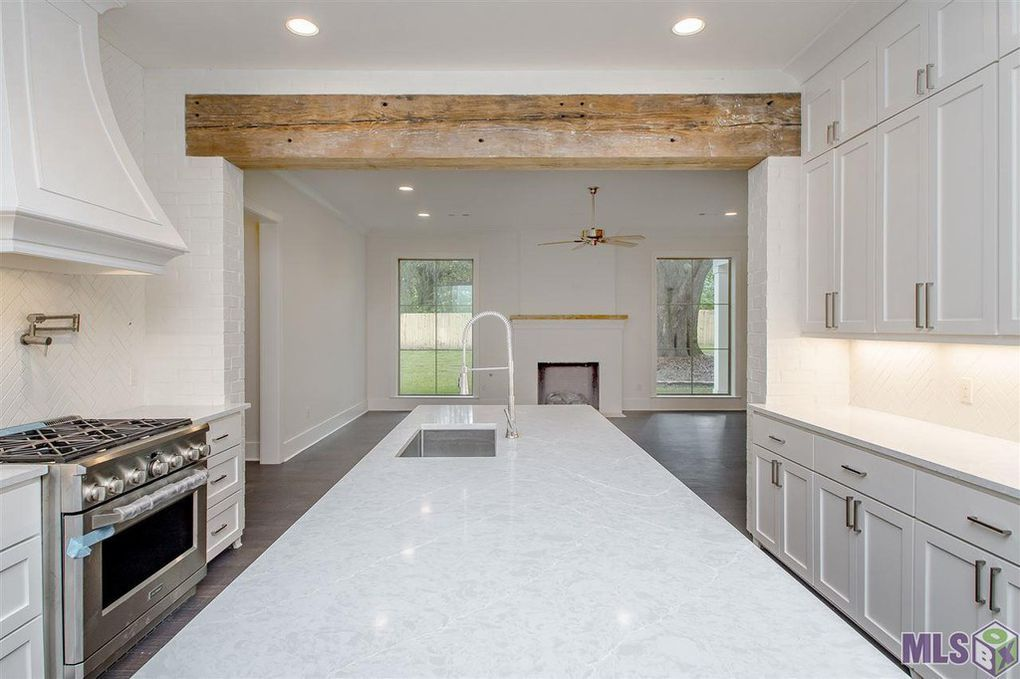 5917 Hibiscus Dr, Baton Rouge, LA 70808   Kitchen cabinets ...