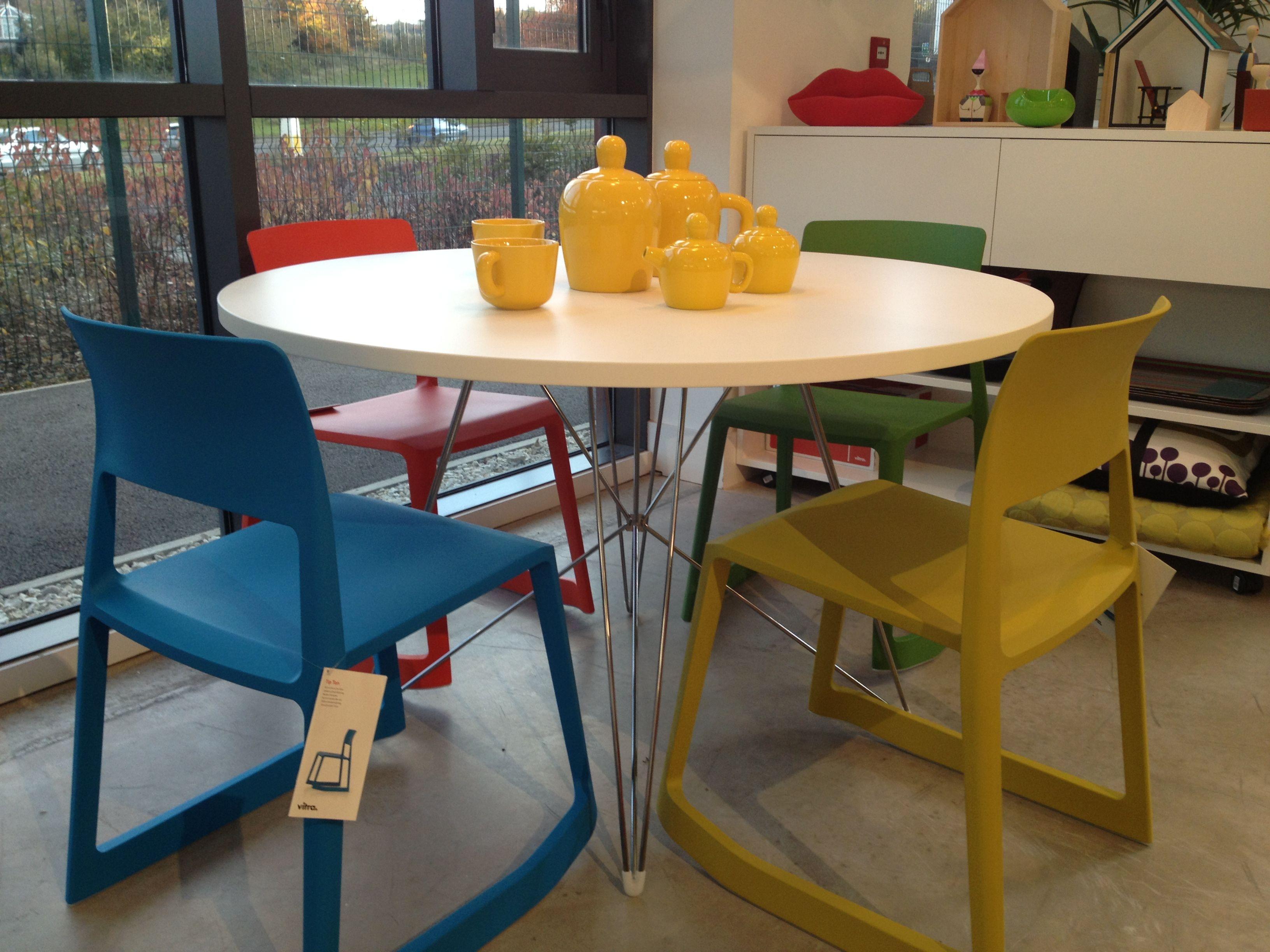 Immagini tavolo ~ Time for tea magis tavolo xz table vitra tip ton chairs and