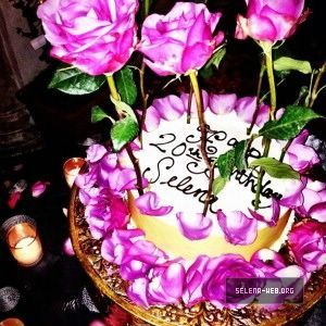 Incredible Selena Gomez 20Th Birthday Cake Birthday Cake Roses Selena Funny Birthday Cards Online Inifodamsfinfo