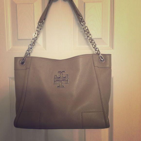 03db44ecf7f Tory Burch purse   Tory burch bag, Purse and She s
