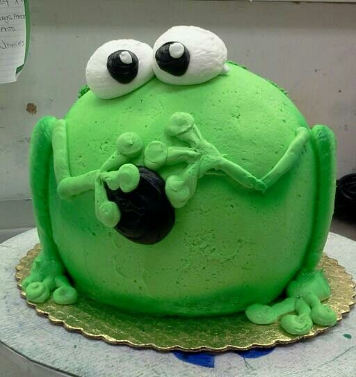 Frog Cakes, Round Birthday Cakes, Frog