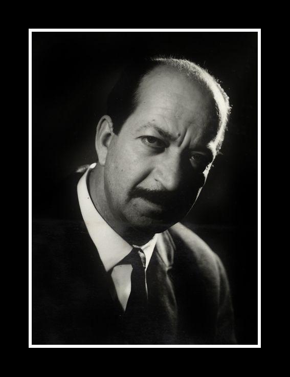 Atif Avci-İst  Şehir Tiyatro Sanatçisi