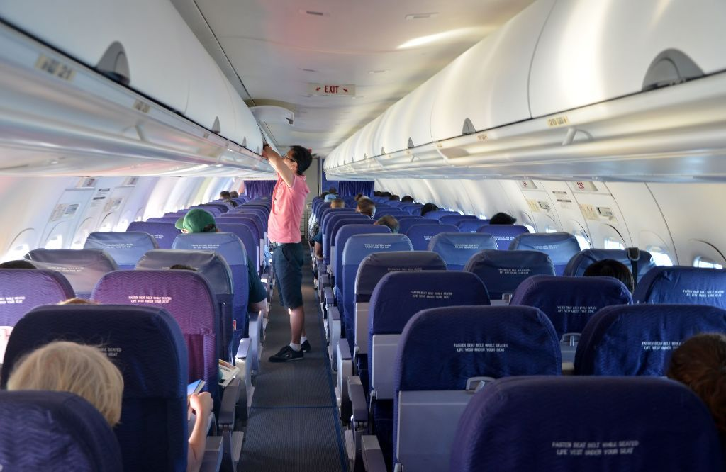 Hawaiian Airlines Boeing 717 200 Cabin Interior Configuration And Seats Layout Photos Hawaiian Airlines Aircraft Interiors Cabin Interior