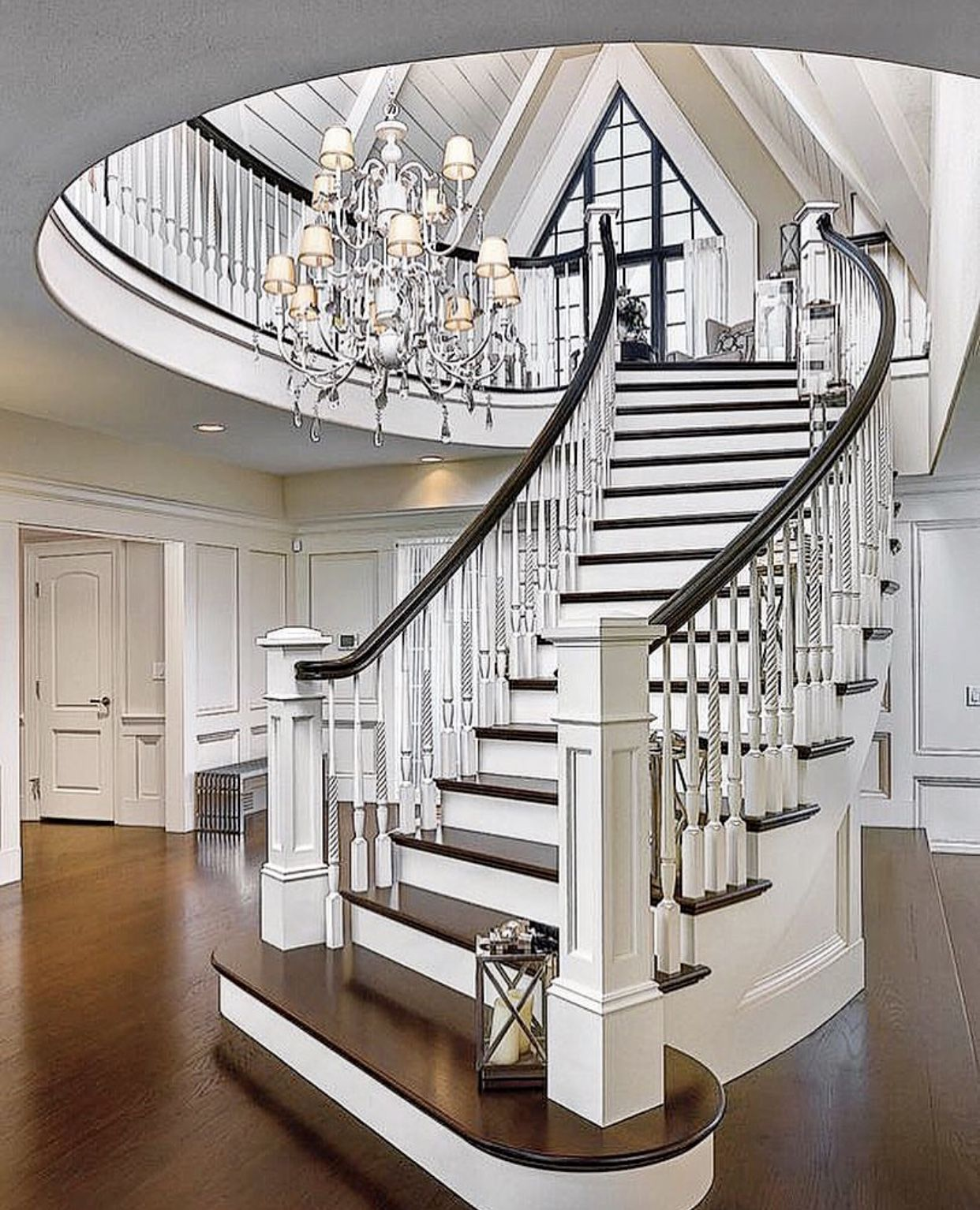 51 Stunning Staircase Design Ideas: Vacation Homes Image By Diana Kags