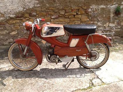 moto ancienne motob cane spr 50 et 1 2 3 matra. Black Bedroom Furniture Sets. Home Design Ideas