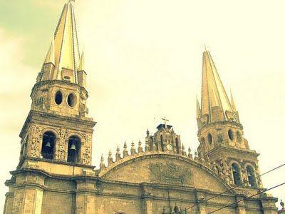 Coffee Break: La Vuelta al Mundo (Contrapicados) Catedral de Guadalajara
