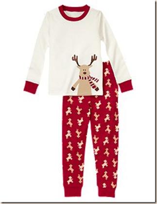 a79c31c09 Love this reindeer pajamas.