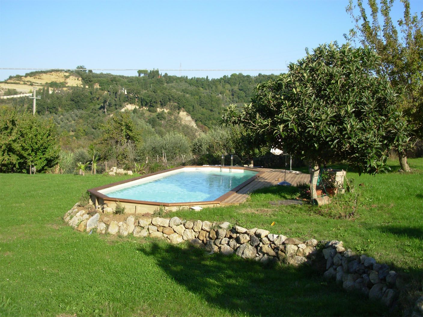 Piscina fuori terra in legno piscine fuori terra for Construction pool house piscine