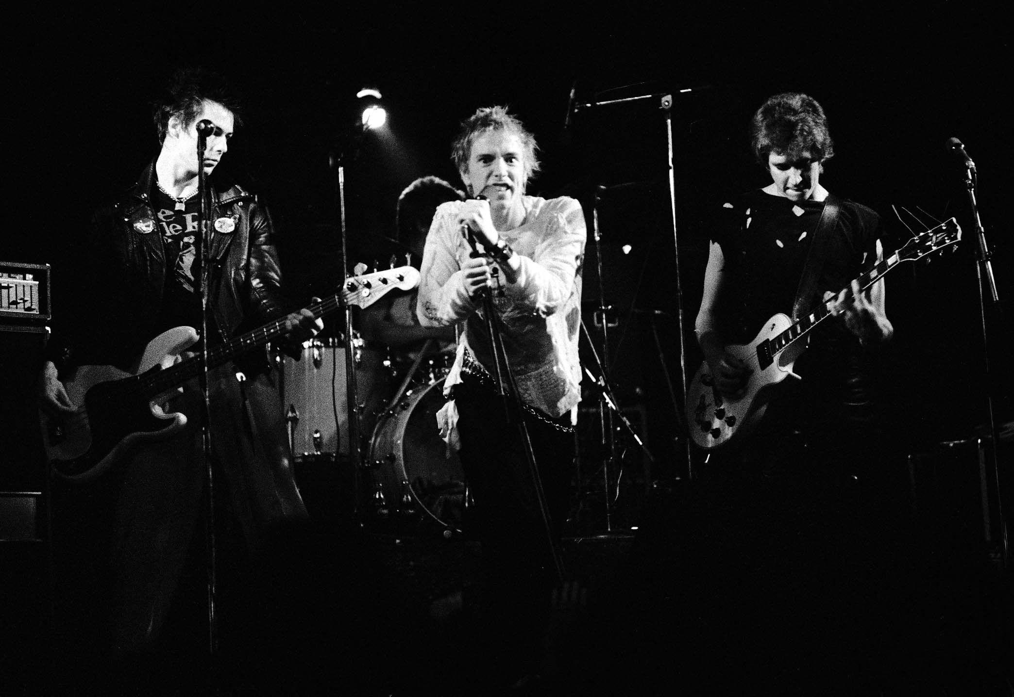 Watch Legendary Sex Pistols Gig In Penzance