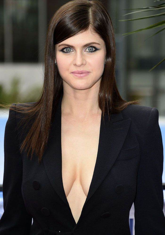 Alexandra Daddario At The European Premiere Of Baywatch At Sony