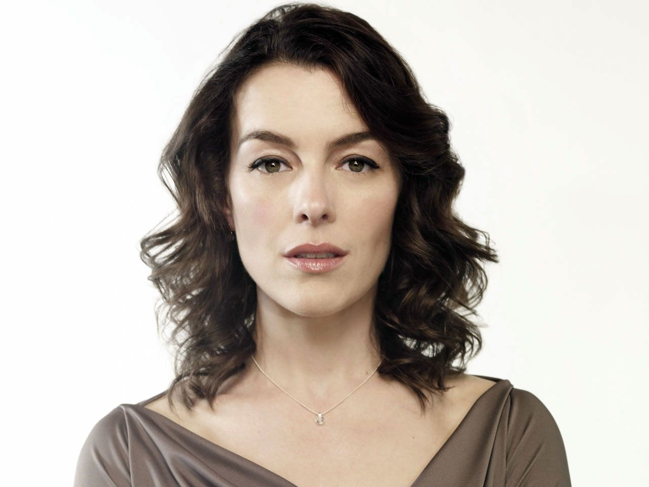 olivia williams manning