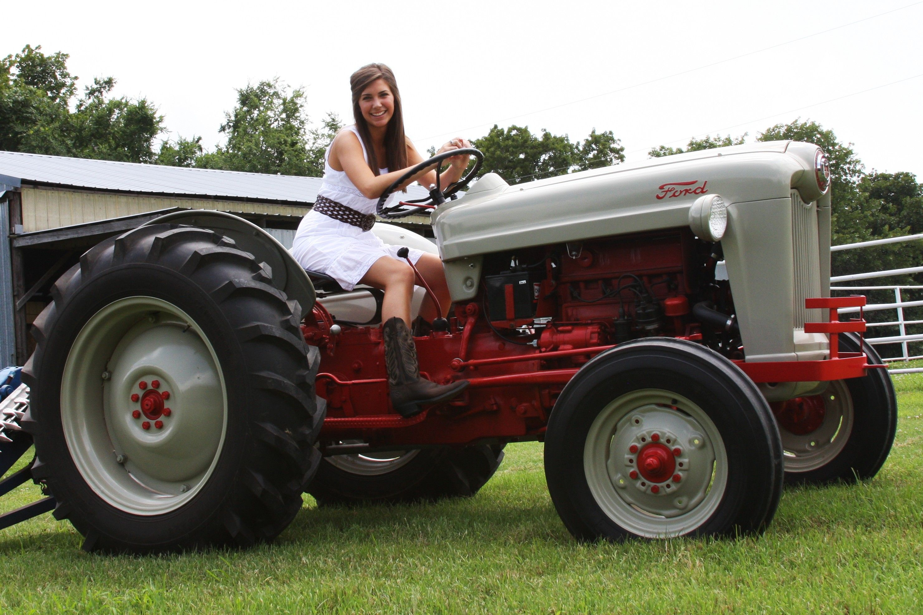 Tractor Of The Week 1953 Ford Jubilee Tractors Ford Tractors