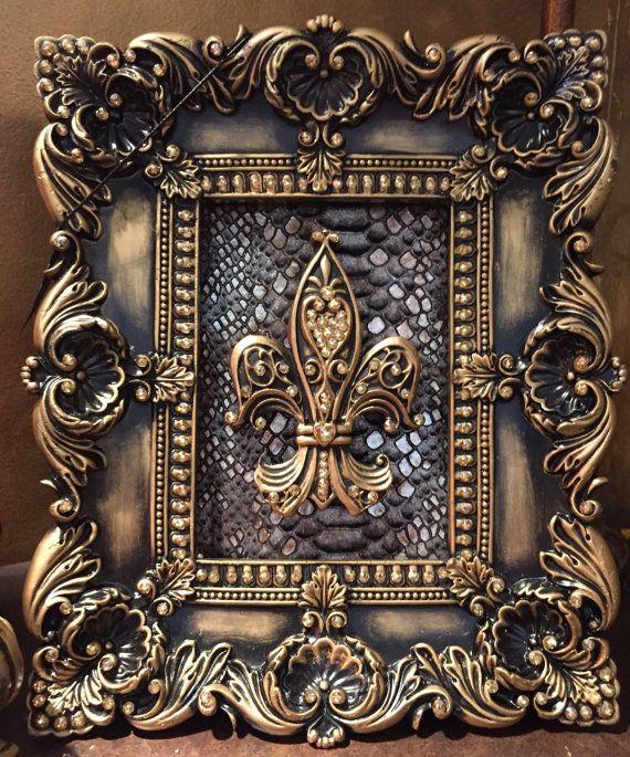 "Wood Finish Antique Style Frame w Beautiful Decorative Patterns 5x7/"""