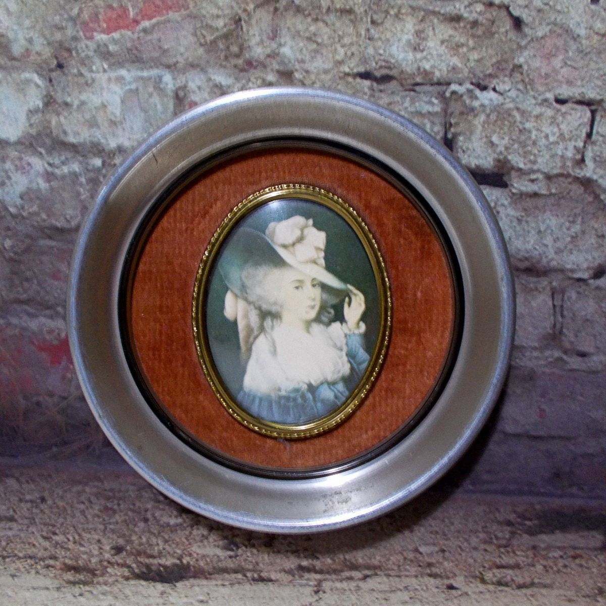 Cameo creations picture elizabeth duchess of devonshire metal cameo creations picture elizabeth duchess of devonshire metal frame convex bubble glass wall hanging by tntbrbefan jeuxipadfo Images