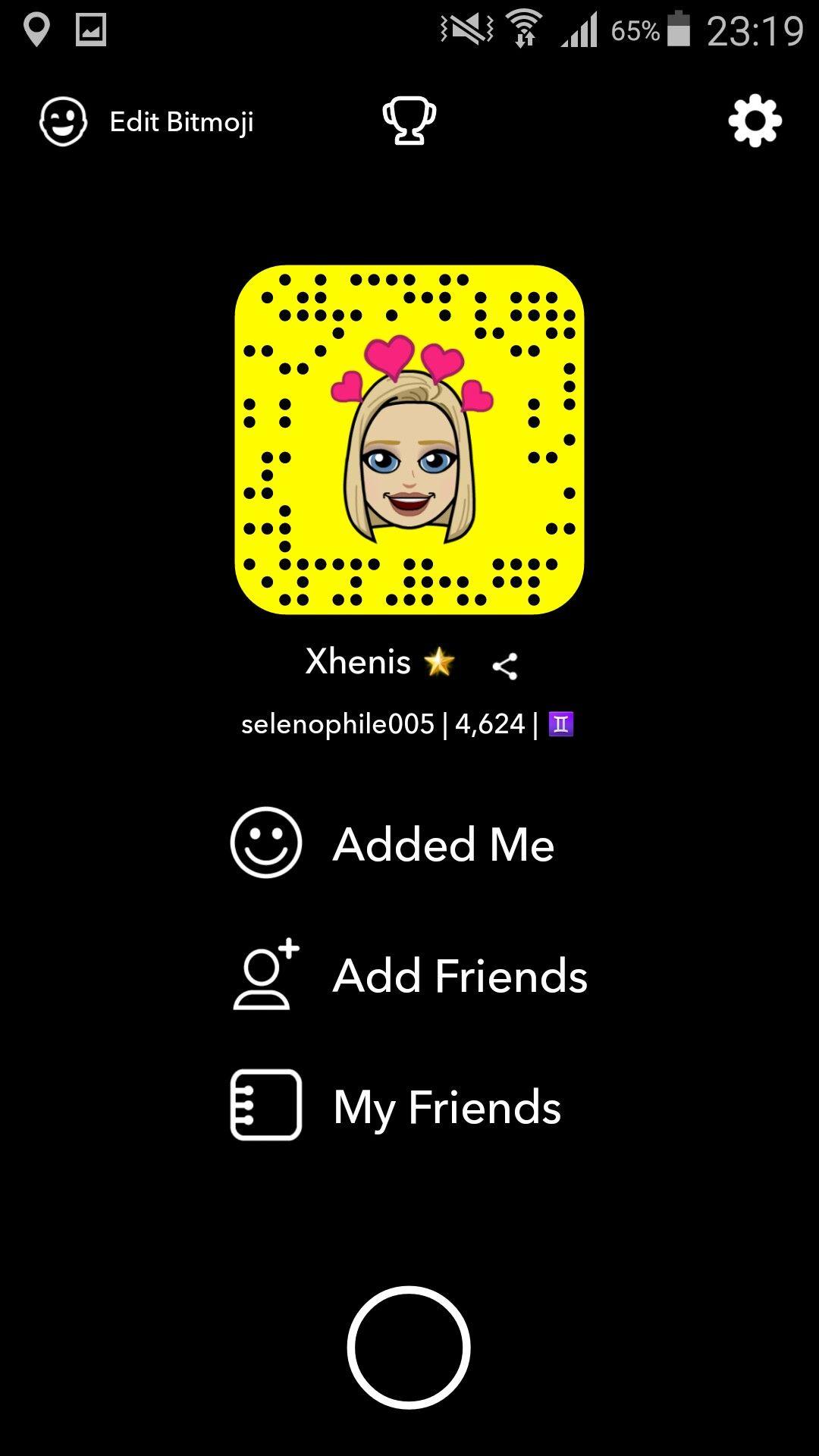 Snapchat Add Me Snapcode Snapchat Usernames Celebrity Snapchats Snapchat Accounts To Follow