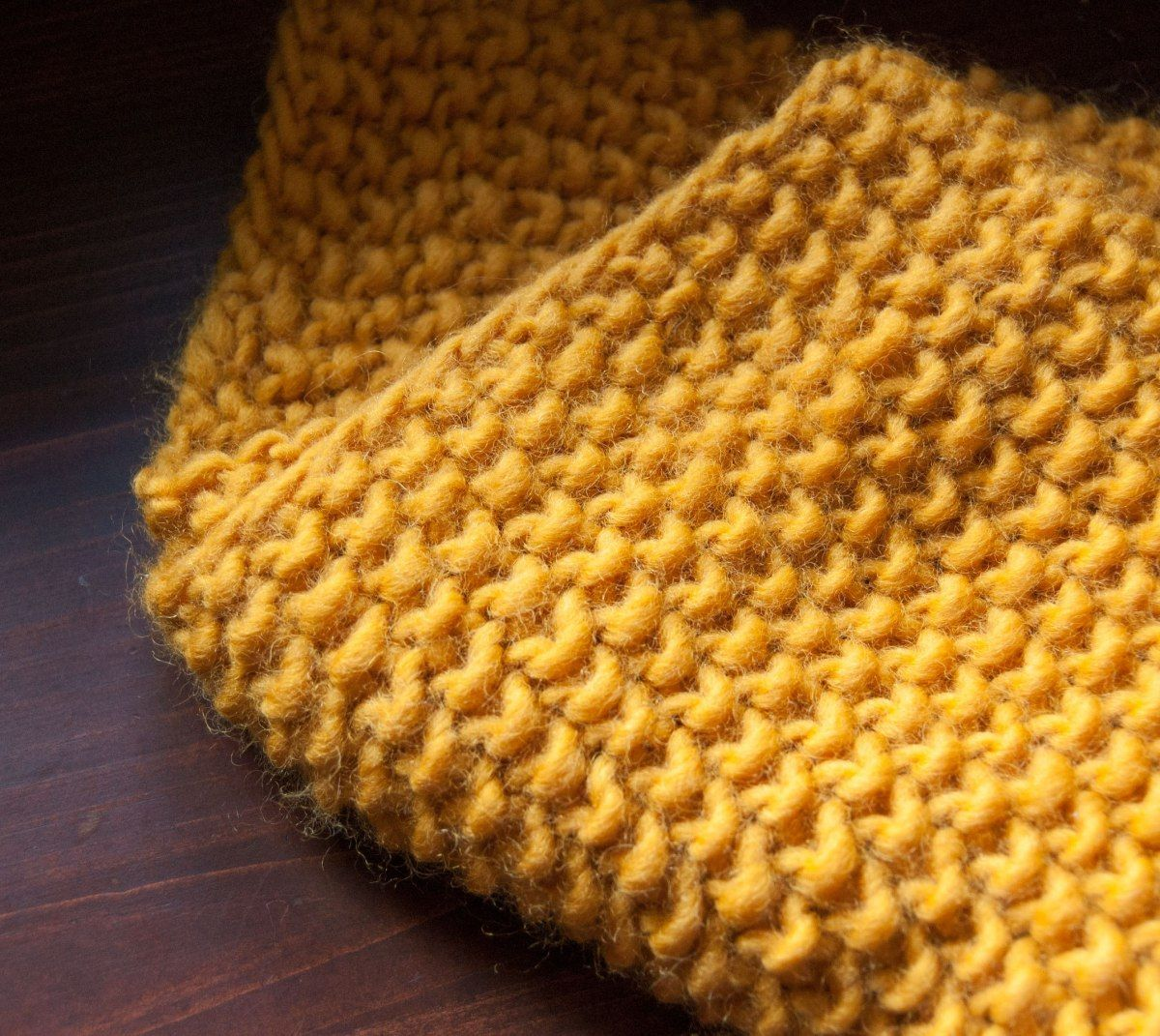 Photo of Seed Stitch Cowl in Buttercream Luxe Craft Roving Yarn – Budget Yarn Reviews