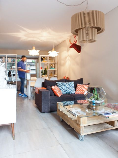 Tres propuestas para decorar tu monoambiente for Decoracion living departamento 2 ambientes