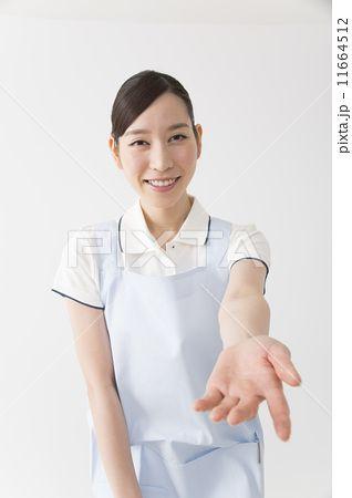 手を差し伸べる ポーズ イラスト ポーズ 集 フリー 手の写真