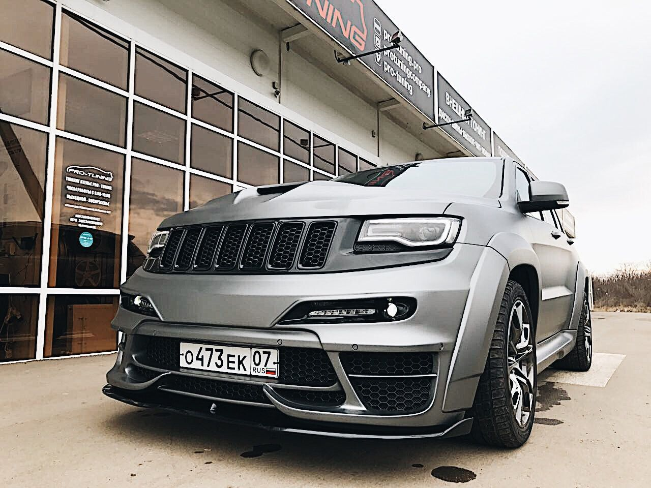 Tuning Body Kits Forged Wheels Instagram Hello Africa Jeep Gc Wk2 With Our Body Kit Tyrannos V1 We Have 3 Versio Jeep Srt8 Jeep Grand Cherokee Srt Srt Jeep