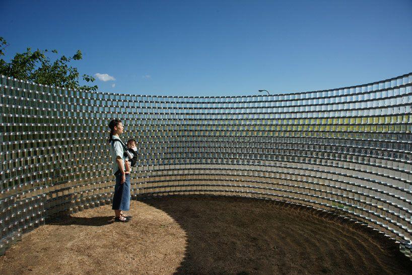 3,000 seawater stacked glass volumes by toshihiro komatsu