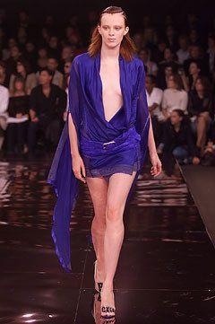 Stella McCartney Spring 2002 Ready-to-Wear Fashion Show - Karen Elson, Stella McCartney