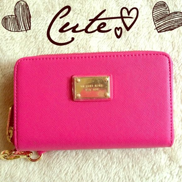 HOT PINK WALLET Never used (it fits and iphone 5) offers Are welcome using the option OFFER Michael Kors Bags Wallets