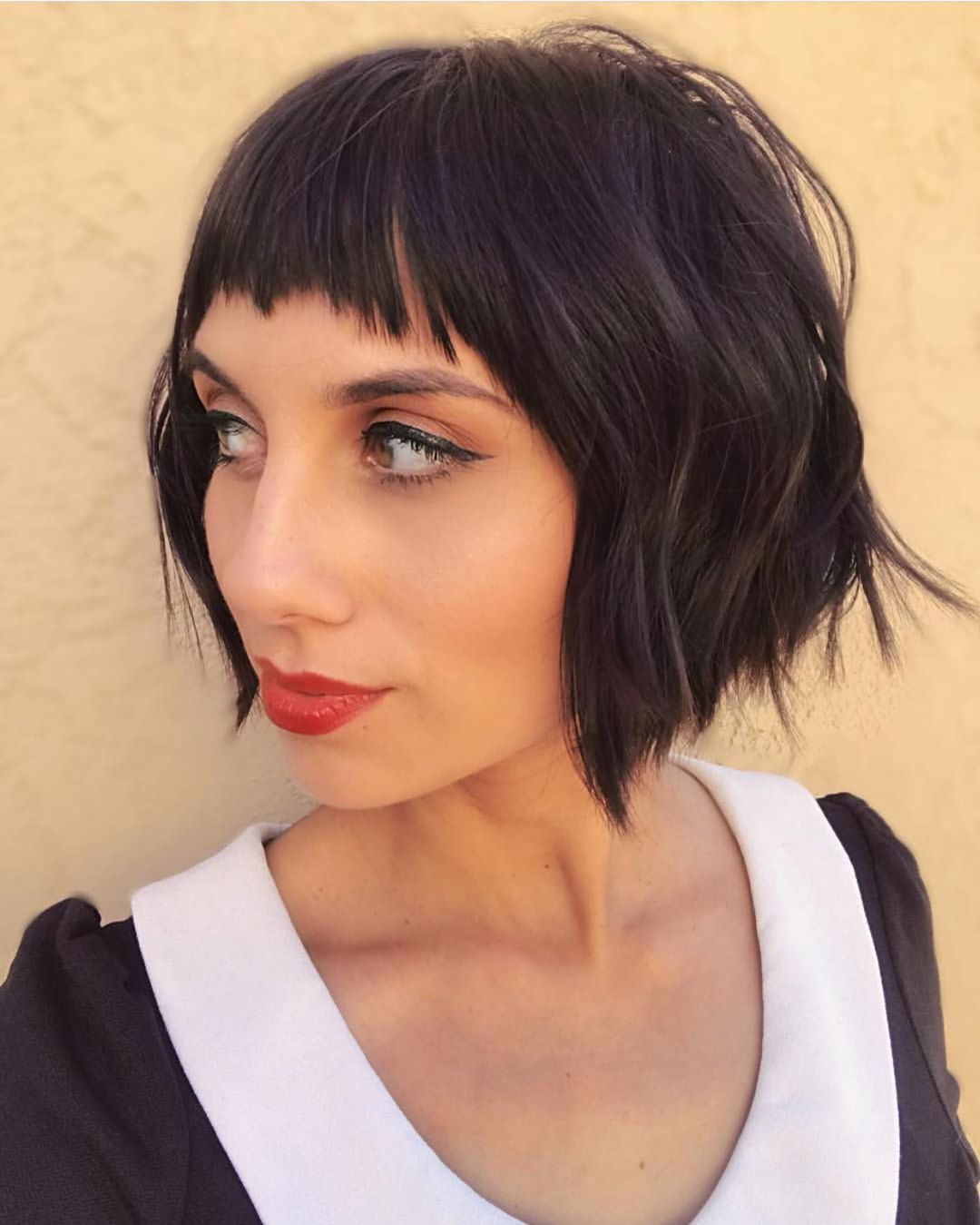 French Girl Razor Bob Oui Tap The Link In Bio To Find Out If A Razor Haircut Is Right For You Courte Razored Haircuts Short Hair With Bangs Bob Hairstyles