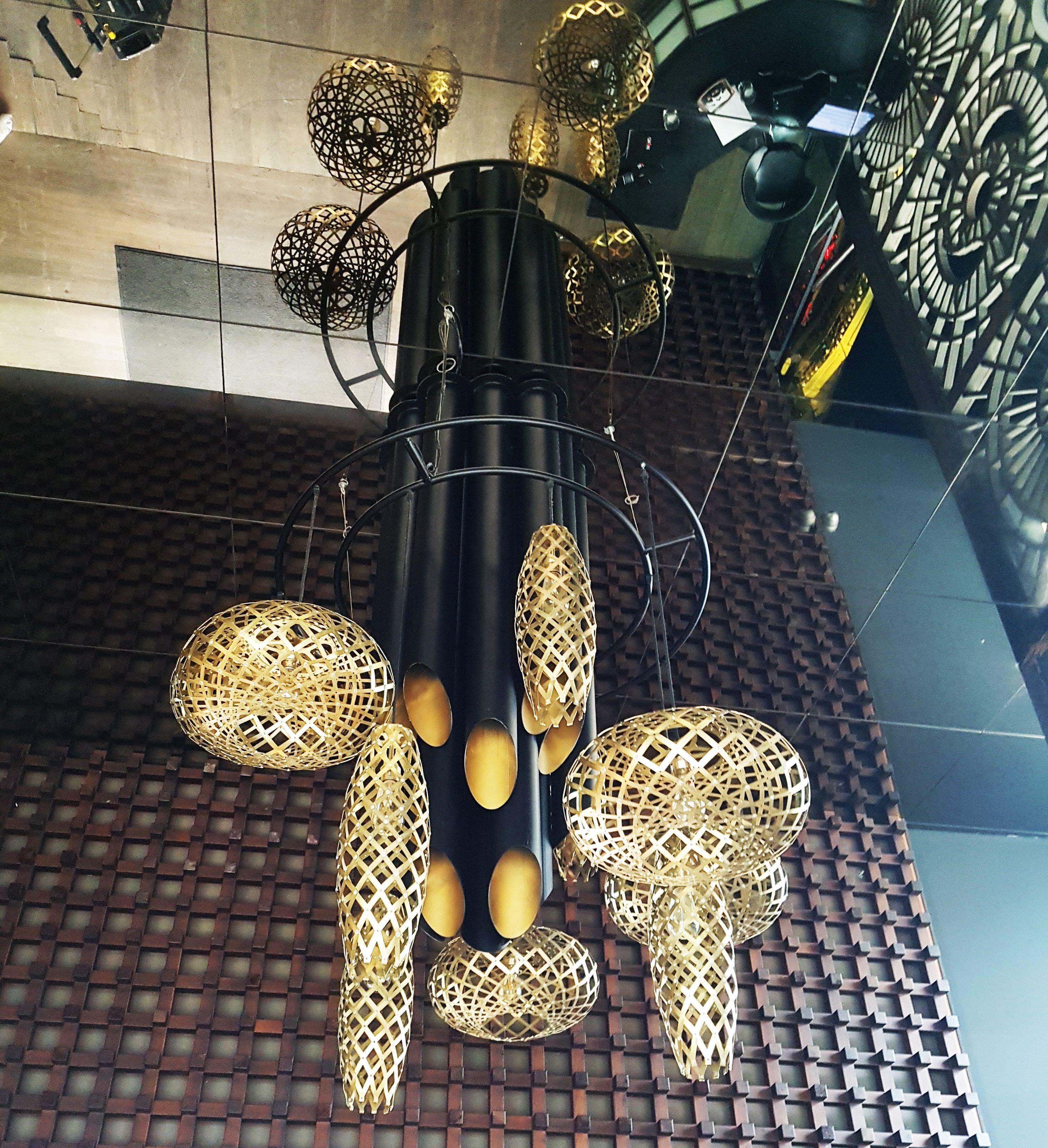 Original l mpara colgante para una discoteca de barcelona - Decoradores interioristas barcelona ...
