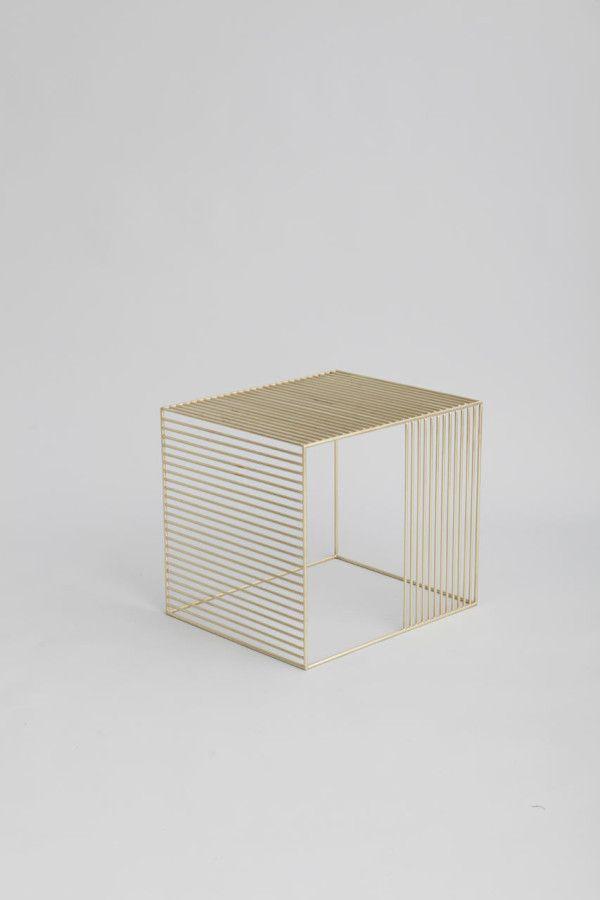Wire Side Table by Iacoli \ McAllister Cubos, Mesas y Muebles mesa - mesas de diseo