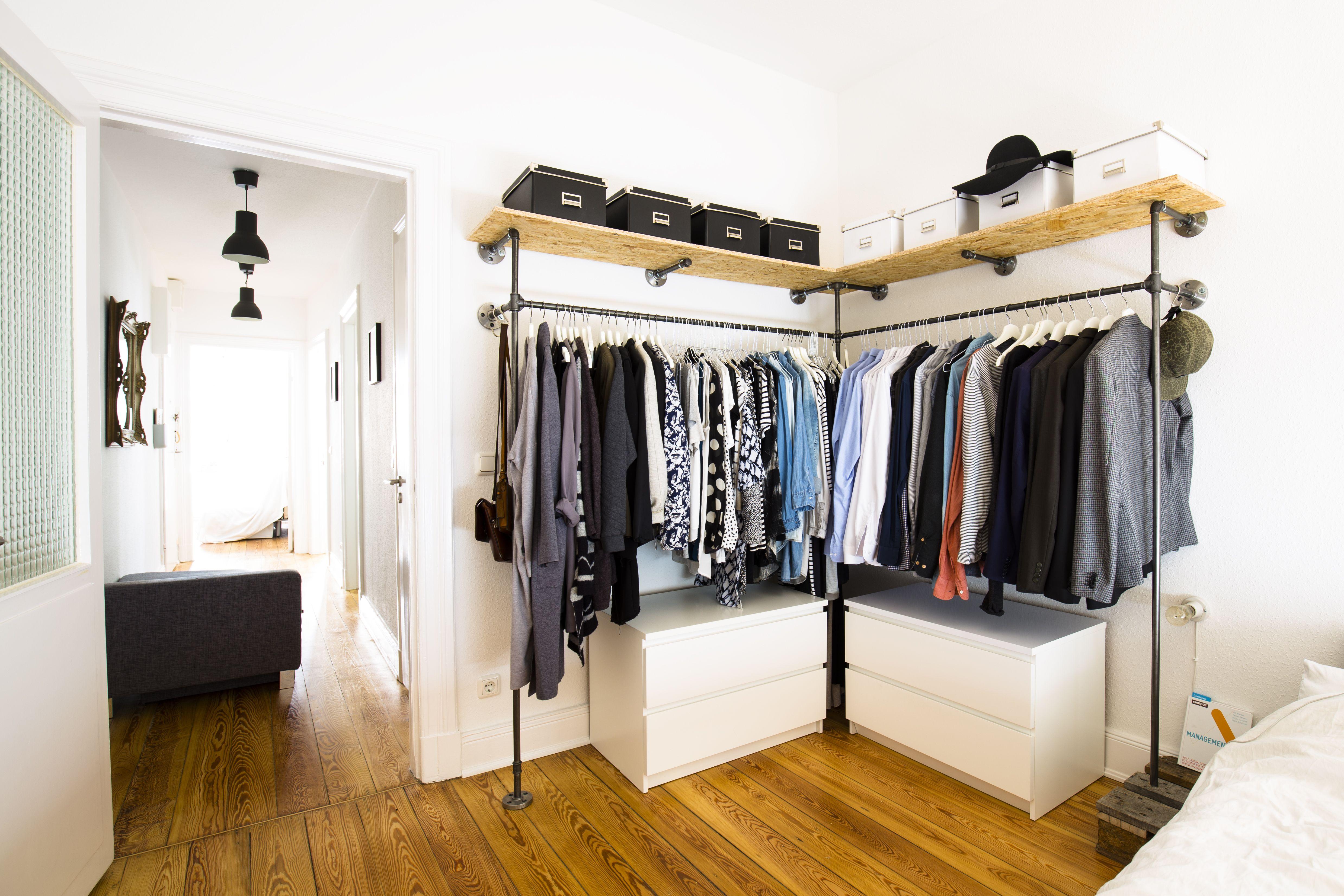 Offener Kleiderschrank · Kleiderstange · Garderobe ...