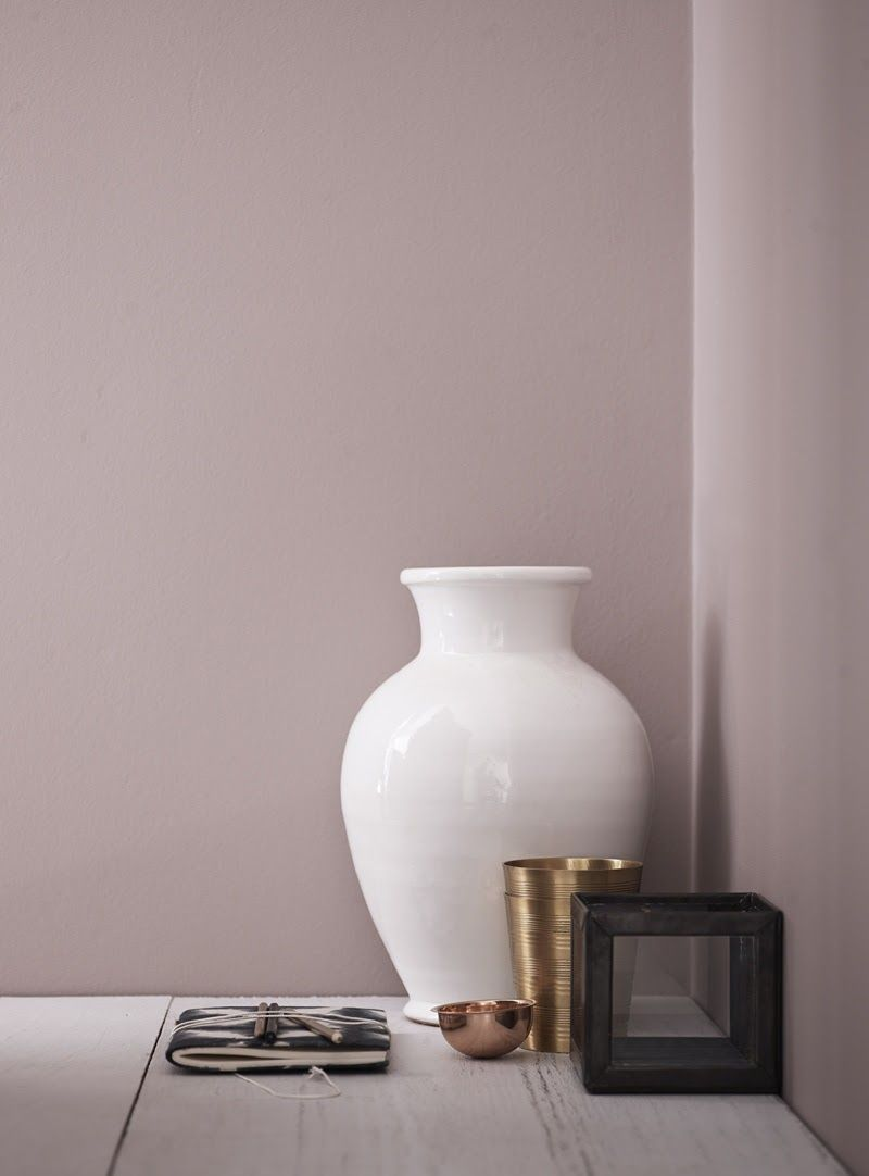 Use Of Contrasts Between Light And Dark To Create Style And Atmosphere Wandfarbe Wohnzimmer Wandfarbe Taupe Rosa Wande