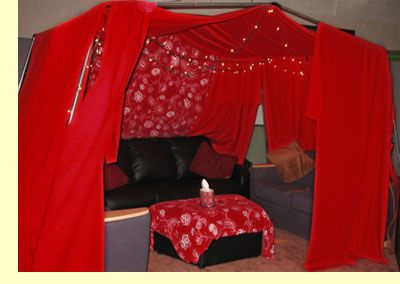 http://www.boldinseattle.com/images/tacoma-red-tent.jpg