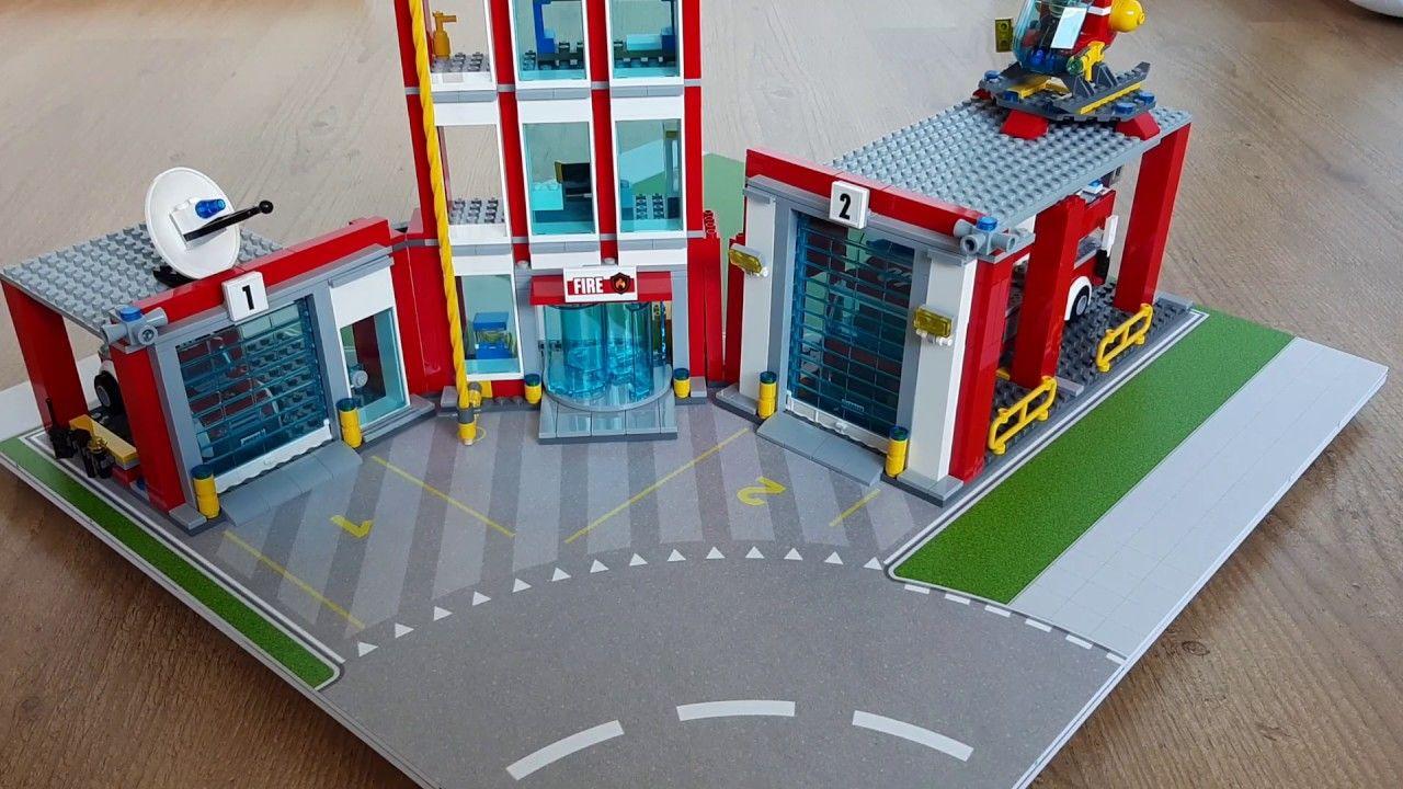 Lego Set 60110 Brandweer Kazerne Op Een Speelmat Lego Speelmat Lego Knutselen