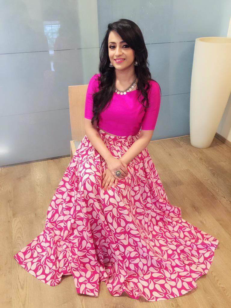 Trisha Krishnan on | Moda india, India y Vestiditos