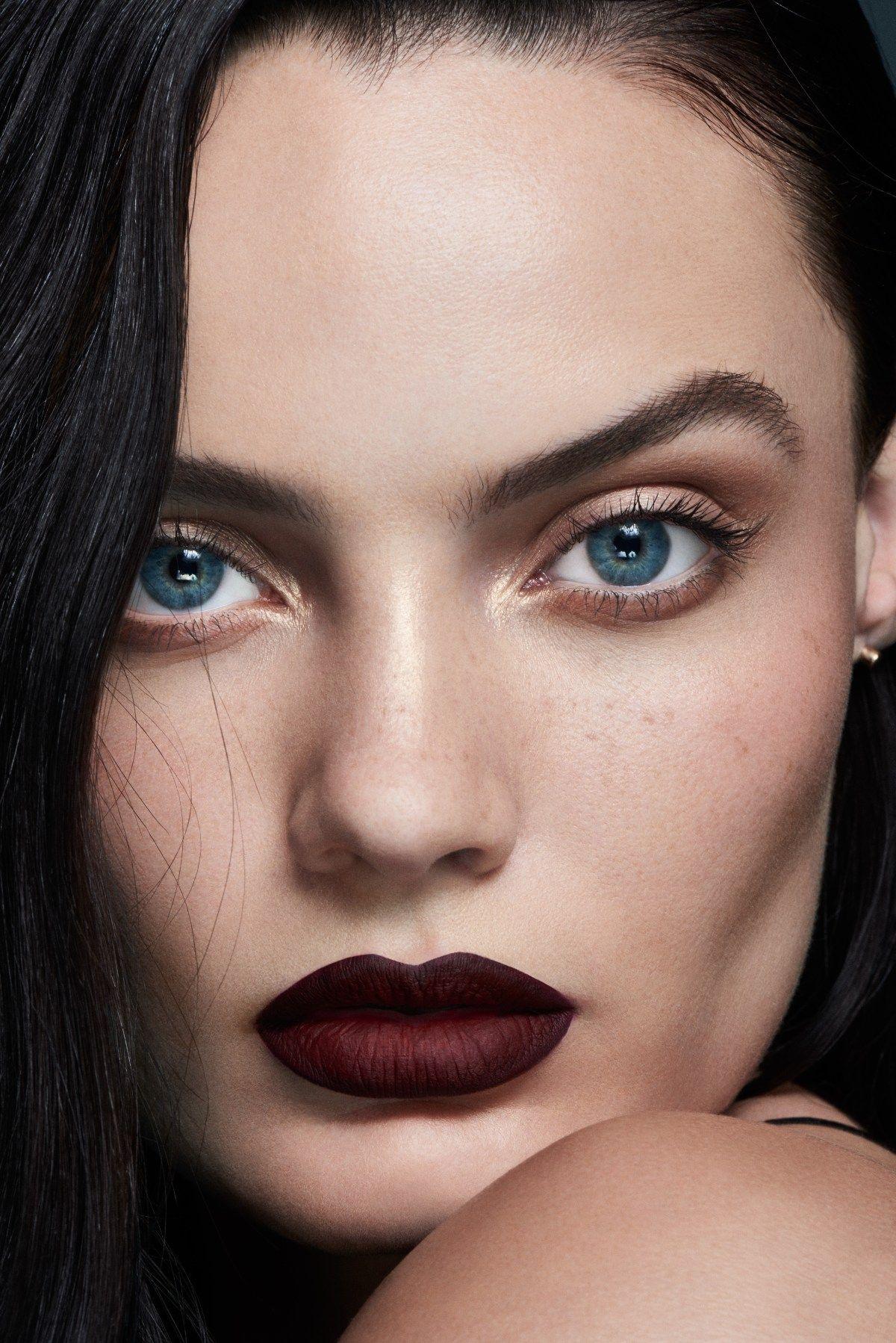Pin by Lucia Luxx on sat Dark blue eyes, Dark hair pale