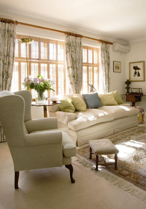 Ava Living Comfortable English Living Room By Adrienne Chinn English Living Rooms Living Room Designs London Living Room
