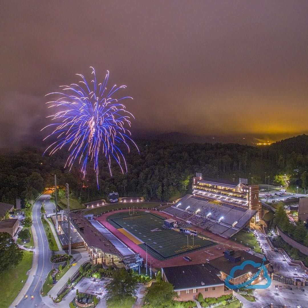 Very cool shot.   @nelsonaerials  #appstate #asu #aerials #fireworks #drone  #drone #drones #droner #dronepic #aerial #aerialphotography #Dji #droning #FullDrone #instagood #followme #aerialpic #uphigh #djicreator #droneoftheday #quadcopter #uav #dronedis