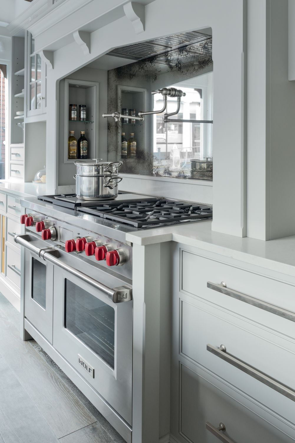 Kitchen Cabinets With Red Knobs Wolf Range Cooker With Red Knobs In A Charlie Kingham Shaker