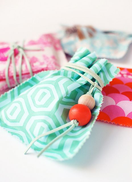 Make Me: Fabric Gift Bags | Flickr - Photo Sharing!