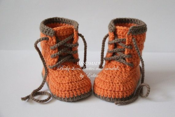 Crochet baby booties, unisex baby shoes, boots, baby sneakers, brown ... fff9c093286d