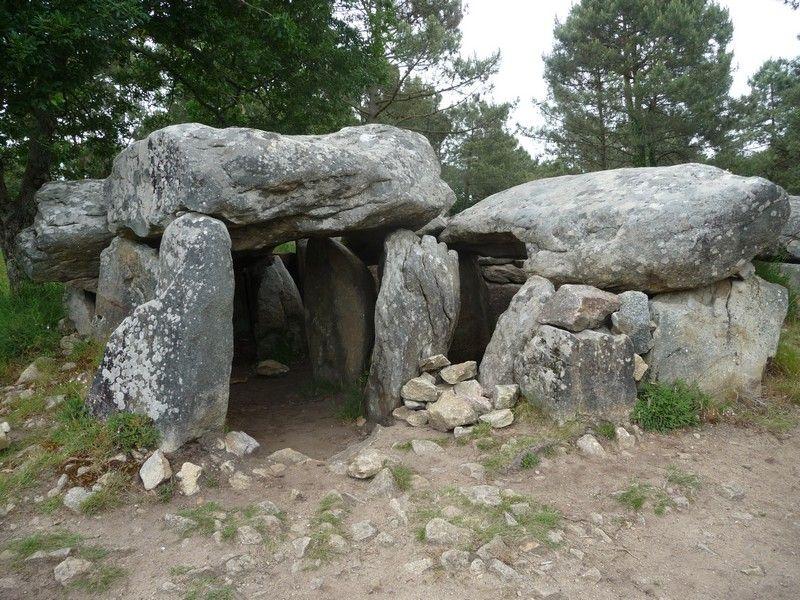 Dolmen de Mané Braz à Erdeven, Morbihan Brittany