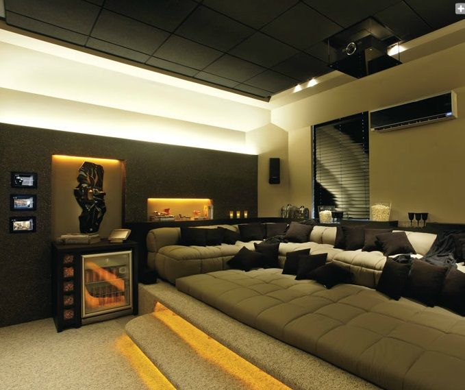 Home Theatre Decorations: Lounge Bachelor Pad