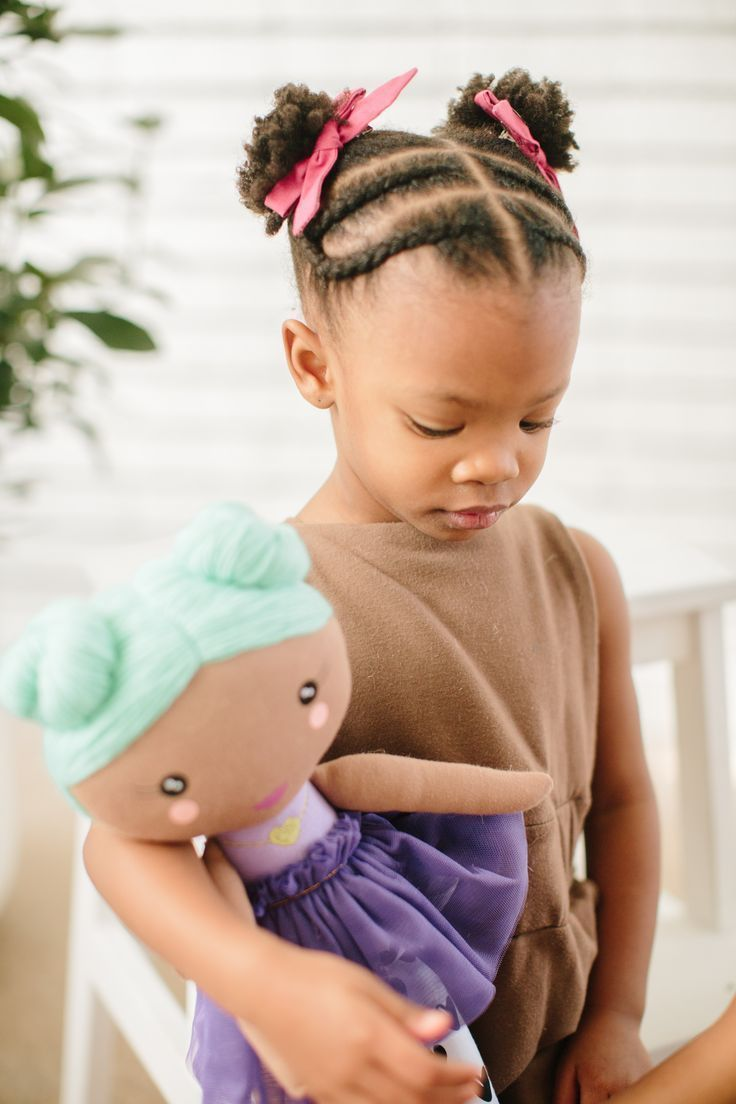 Give a gift that gives back! The Joy doll is a soft, huggable doll that comes with tokens for children to give as a random act of kindness. #dolls #toys #forkids #kindiscool