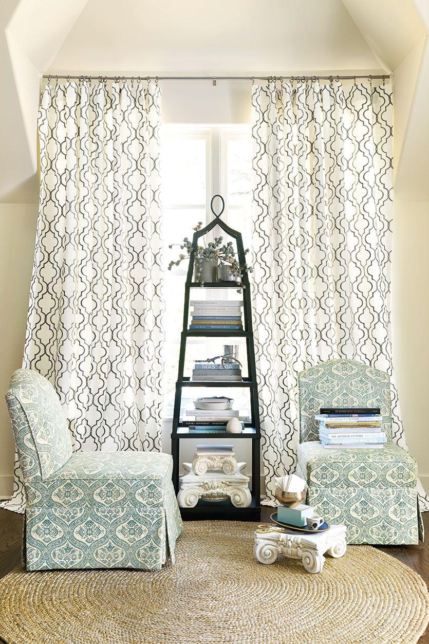 Miraculous With A Round Rug Bedroom Sense Living Room Photos Creativecarmelina Interior Chair Design Creativecarmelinacom