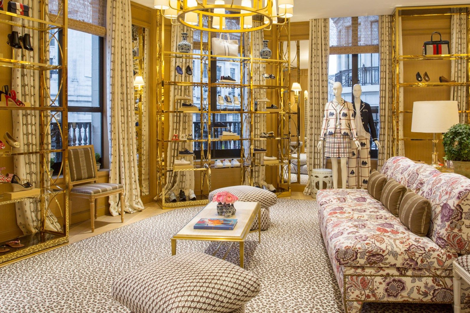 370d1ad439a8 Tory-Burch-Regent-Street-london-store-scout-the-impression-04